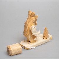 """Деревянная богородская игрушка  """"Мишка с гантелями"""""""