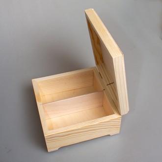 Деревянная шкатулка для рассыпного чая в пакетах на 2 вертикальных отделения