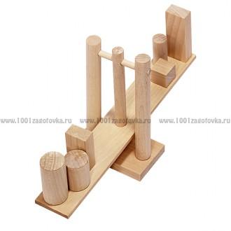 Геометрические весы из дерева